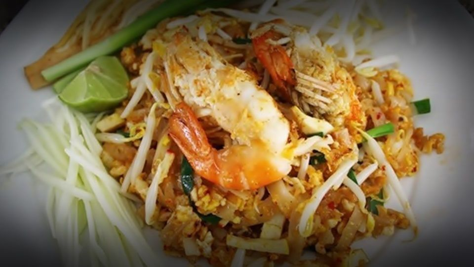 Investigation Launched into Australian Couple's Negative Story About Pad Thai