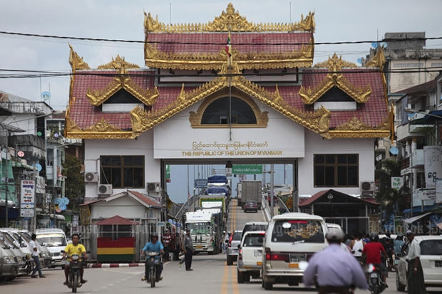 Border Checkpoints to Open for Thai Returnees